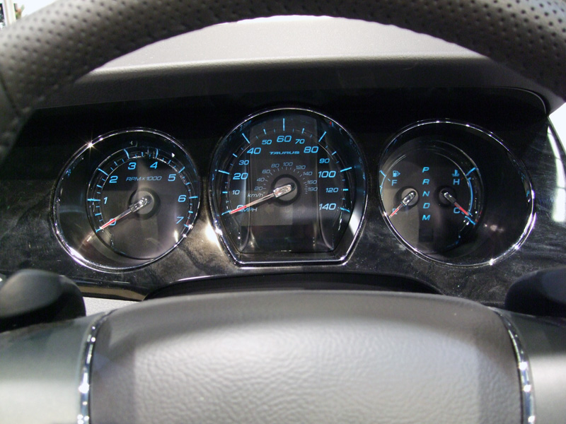 Ford Tarus Cluster
